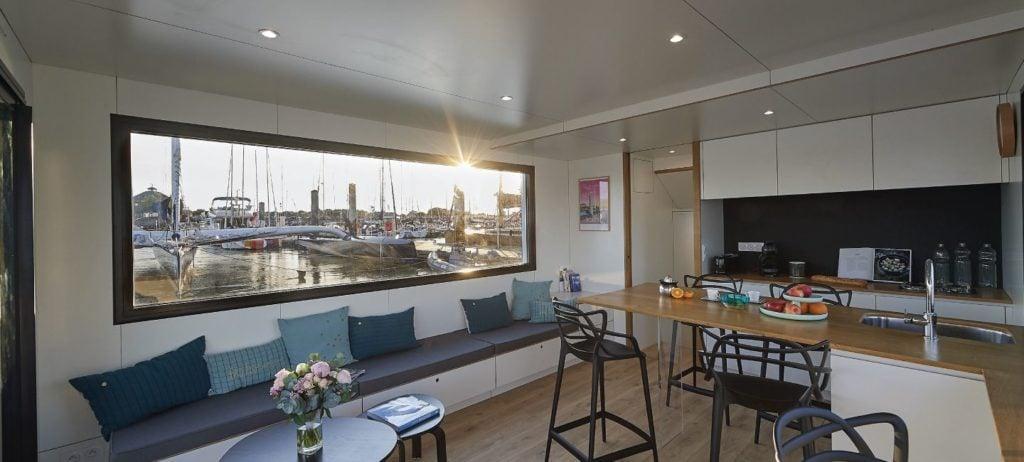 1bis-Savoir-faire-sealoft-house-boat