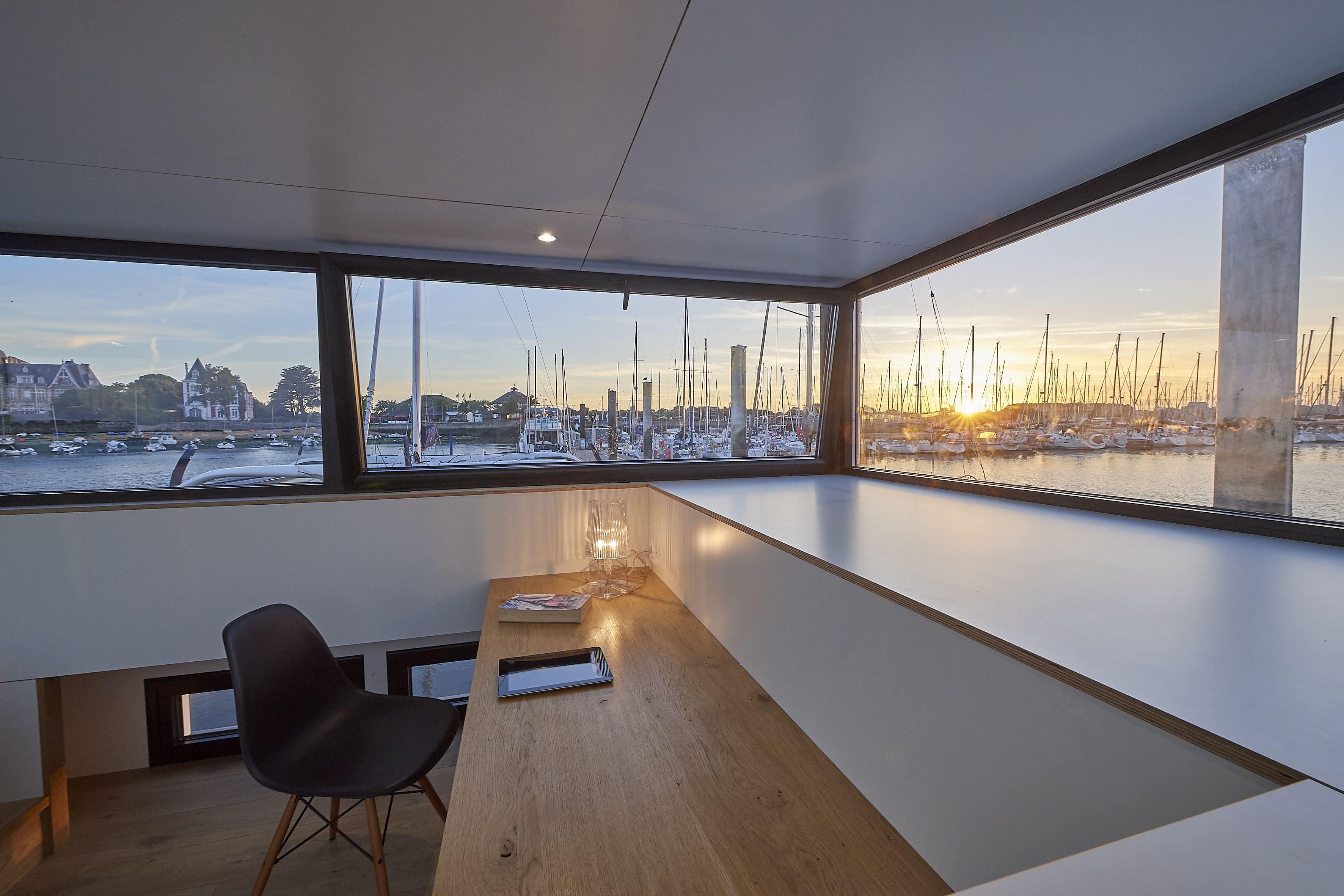 4-Savoir-faire-sealoft-house-boat